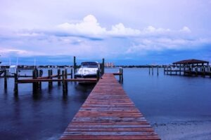 23 Dock with Boat Lift