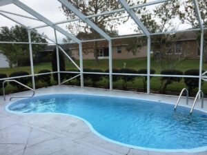 Kidney Shaped Screened Pool